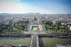 Vista de #Trocadero y el #PalacioChaillot desde la #TorreEiffel. Impresionante! http://www.viajaraparis.com/?page=torreeiffel.php #turismo #Paris #guia #viajar