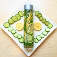 Infused Water Recipes, Fruit Infused Water, Fruit Water, Lemon Water, Fresh Fruit, Healthy Water, Healthy Drinks, Fruit Combinations, Hydrating Drinks