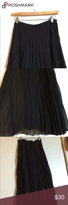 🎉24 Hr Sale-Gossip Girl by Romeo and Juliet Beautiful black sheer pleated maxi skirt. It's has a side zip on top left side. Size S. Thanks for stopping by. No Trades. Make me an offer, you never know! Gossip Girl by Romeo and Juliet Skirts Maxi