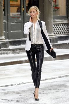 i so want to pull off leather pants one day.