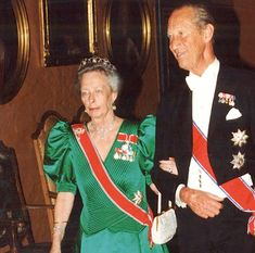 2001- Princess Ragnhild of Norway and Count Flemming of Rosenborg (DK). She is using the Pearl Circle tiara. Wedding of Crown Prince Haakon and Crown Princess Mette-Marit of Norway.