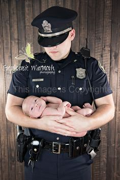 Newborn photography; Police officer; uniform www.stephaniewarmoth.com www.facebook.com/stephaniewarmothphotography