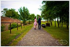 Sedinta foto de cuplu • Fotograf nunta Sidewalk, Studio, Sidewalks, Studios, Pavement, Studying, Walkways
