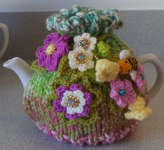so pretty floral cosy  hand knitted crocheted by peerietreisures