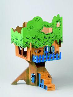 Arbre en carton avec sa cabane perchée. Vos enfants pourront laisser libre cours à leur imagination sur ce dessin 3D à colorier à l'aide de feutres ou de peinture. Activité idéale pour les enfants !