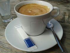 Koffie met melk Lavazza is lekker! Coffee with milk Lavzza is delicious!