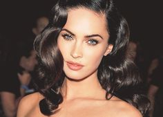 Megan Fox is stunning. Love her hair and make.