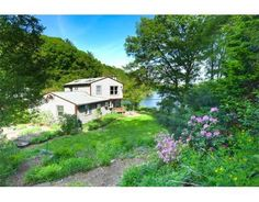 11 Simpson Rd, Wayland, MA 01778 Offered by Tanya Tanimoto