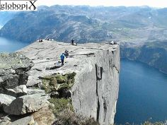 Beatiful Prekestolen! well worth the hike up!