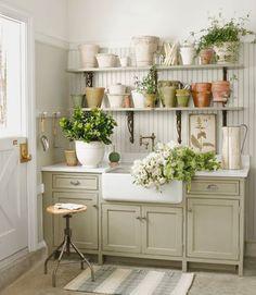 I love the cabinet color & farmhouse sink