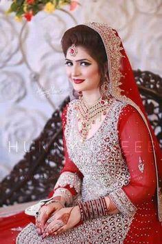 Pakistani Bridal Makeup, Pakistani Wedding Outfits, Indian Bridal Outfits, Bridal Lehenga, Pakistan Bride, Asian Wedding Dress, Bridal Makeover, Bridal Photoshoot, Clothes For Women