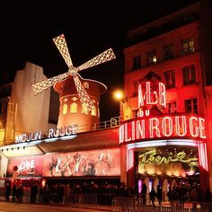 Moulin Rouge paikassa Paris, Île-de-France