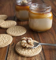 Crema de galletas 2 Kinds Of Desserts, Sweet Desserts, Sweet Recipes, Dessert Recipes, Flan Recipe, Berry Tart, Cheesecake, Meals In A Jar, Tapas