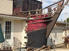 Static: - SPOTTED: Pirate ship busting through a house Pirate Halloween Decorations, Pirate Halloween Party, Halloween Diorama, Pirate Decor, Halloween Forum, Pirate Theme, Halloween Projects, Fall Halloween, Halloween 2018