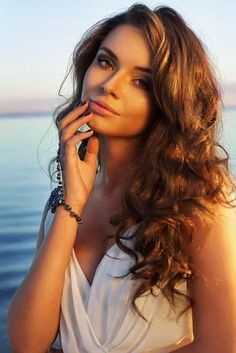 Girl images for hot smart: Beautiful Girls Profile Pictures
