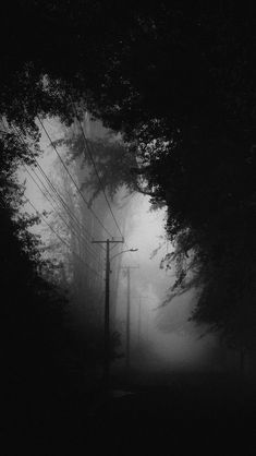 Gothic Aesthetic, Slytherin Aesthetic, Night Aesthetic, Aesthetic People, Dark Photography, Black And White Photography, Landscape Photography, Images Esthétiques, Black Aesthetic Wallpaper