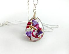 Real flower necklace Terrarium necklace Botanical necklace Resin jewelry Real rose necklace Nature lover gift Valentines day gift For wife