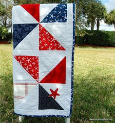 Nautical Beach Lap Quilt  Red Blue White Cottage by becauseimme, $155.00