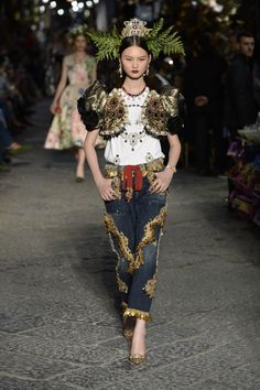 Dolce & Gabbana | Haute Couture - Autumn 2016 | Look 13