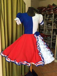 Hermoso vestido de cueva lo amo Cute Costumes, Girl Costumes, Clogs Outfit, Fashion Outfits, Womens Fashion, Looking For Women, Cheer Skirts, Vintage Outfits, Sexy