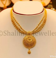 Pearl Necklace Designs, Jewelry Design Earrings, Gold Earrings Designs, Gold Necklace, Pendant Necklace, Gold Wedding Jewelry, Gold Jewelry Simple, Gold Bangles Design, Gold Jewellery Design