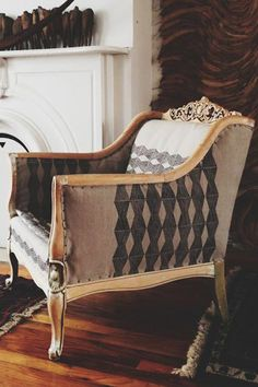 12 Awesome DIY Projects For Spring #refinery29  http://www.refinery29.com/diy-home-projects#slide12  Hand-Blocked Chair by Ariele Alasko  This is a super cool idea for a fabric chair in need of a makeover. With limitless pattern possibilities, it would look rad on a couch or even dishtowels. We're also in love with this Brooklyn-based gal's awesome blog.