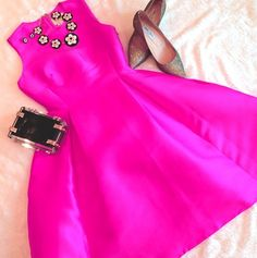 Parisan Pink Kate Spade Dress with sparkly Jimmy Choo kitten heels and CC Skye clutch on Valentines Day | Smitten Sophie