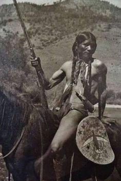 Native American Pictures, Native American Quotes, Native American Artists, Native American History, Native American Indians, British History, Women's History, Native American Spirituality, Native American Warrior