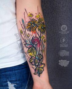 Wildflower Bouquet Tattoo by vika_kiwitattoo watercolor tattoo 40 Graphic Watercolor Tattoos by Vika KIWI Sexy Tattoos, Mini Tattoos, Cute Small Tattoos, Body Art Tattoos, Space Tattoos, Circle Tattoos, Owl Tattoos, Butterfly Tattoos, Sunflower Tattoos
