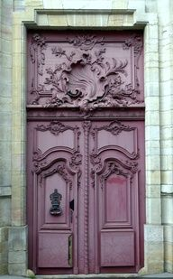 mauve door...really like that color