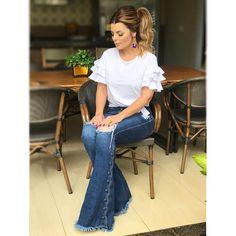 """15.8 mil curtidas, 210 comentários - DANILA GUIMARÃES (@danilaguimaraes) no Instagram: """"Plena pra mostrar o look de hj ♀️ Calça jeans @bebelasp R$ 318,00 - 38/40/42/44 • Cabelo e make…"""""""