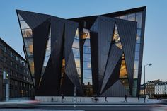 """Australian architecture practice Terroir collaborated with Danish firm Kim Utzon Architecture on the design of this bold extension to the World Maritime University in Malmö, Sweden, which """"wraps and folds"""" around the existing 1910 building. Concept Architecture, Futuristic Architecture, Facade Architecture, Amazing Architecture, Contemporary Architecture, Australian Architecture, Sustainable Architecture, Residential Architecture, Great Buildings And Structures"""
