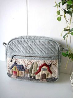 Tote - applique on zippered pocket