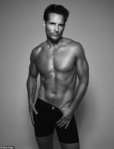 Wow factor: Peter Facinelli proved he still had it on Tuesday, when he appeared in a sexy ... Celebrity Workout, Celebrity Fitness, Twilight Stars, Peter Facinelli, 90s Movies, Prostate Cancer, Selfie, Celebs, Celebrities