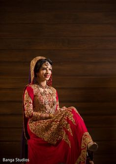 Bridal Portrait http://www.maharaniweddings.com/gallery/photo/34127