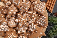 Christmas Sugar Cookies, Christmas Baking, Gingerbread Cookies, Cookie Icing, Royal Icing Cookies, Cut Out Cookies, No Bake Cookies, Snowflake Cutouts, Ginger Cookies