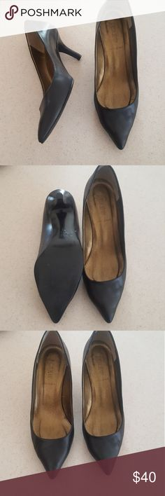 [J. Crew] Black Leather Pointed Toe Heels Always great basic to have in your shoe collection: pointed toe, black heels! Made in Italy. In good used condition. Open to offers, bundle and save 20%! J. Crew Shoes Heels