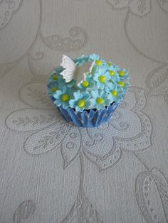 Blue Blossoms Cupcake | Flickr - Photo Sharing!