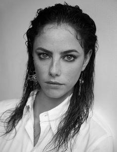 Kaya Scodelario Por1her Tal ves muchos no la conozcan pero les dejo algunas fotos de esta hermosa actriz británica famosa por la película correr o morir (The maze runner).