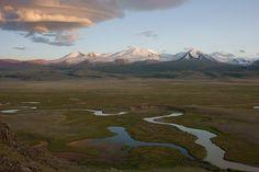 Таинственное место Алтая, Укок - плато на юге Алтайской Республики, на стыке границ России, Монголии, Казахстана и Китая.