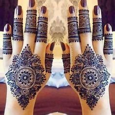 The Tattoo Designs Guide – Custom Tattoo Designs – How To Choose The Best Tattoo Design For You Pretty Henna Designs, Indian Henna Designs, Modern Mehndi Designs, Beautiful Mehndi Design, Bridal Mehndi Designs, Hena Designs, Henna Tatoos, Henna Ink, Mehndi Tattoo
