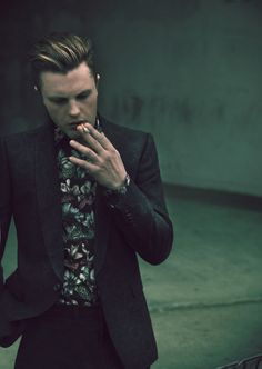 Michael Pitt Is Suitably Handsome For 'Flaunt' Magazine!: Photo Michael Pitt suits up for a feature in Flaunt magazine's latest issue, out on newsstands now! Here's what the actor had to share with the mag: … Michael Pitt, Beautiful Men, Beautiful People, Pretty People, Pretty Men, Sir Anthony Hopkins, Vivienne Westwood Man, Boardwalk Empire, Punk