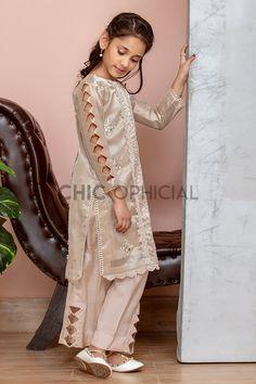 Baby Girl Dress Design, Girls Frock Design, Fancy Dress Design, Stylish Dress Designs, Stylish Dress Book, Stylish Dresses For Girls, Frocks For Girls, Pakistani Kids Dresses, Pakistani Dress Design
