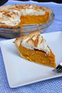 Paleo Sweet Potato Meringue Pie recipe #food #paleo #glutenfree