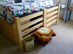 Cover a stool with a colorful rug. Doll Up Your Dorm Room via #lipstickloser