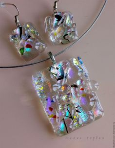 Dichroic Glass Jewelry, Fused Glass Art, Resin Jewelry, Glass Pendants, Handmade Jewelry, Glass Fusion Ideas, Glass Fusing Projects, Glass Ornaments, Nightlights