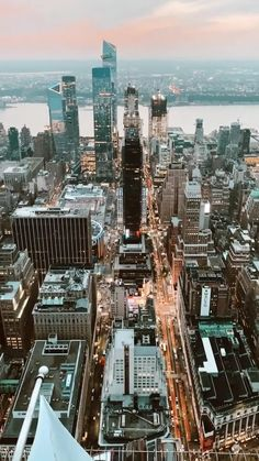 New York Life, Nyc Life, City Life, City Aesthetic, Travel Aesthetic, Best Places In New York, Nyc Instagram, New York Wallpaper, New York City Travel