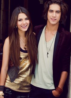 victoria justice, avan jogia, and victorious image Tori And Beck, Jade And Beck, Tori Vega, Icarly, Victorious Cast, Avan Jogia Victorious, Beck Oliver, Estilo Vanessa Hudgens, Pretty People