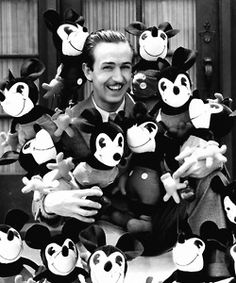 Walt and many Mickeys (This is a whole page of cool Disney images to check out)