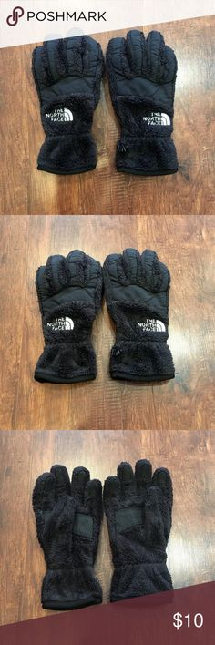 The North Face gloves, XS The North Face gloves, very soft and warm! Never worn, new condition. Size XS. The North Face Accessories Gloves & Mittens
